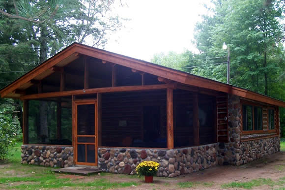 log-cabin-at-spider-lake